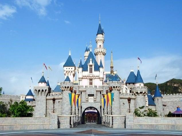 marketing plan for hong kong disneyland Hong kong disneyland has appointed independent agency  in deep sense and  formulate integrated marketing communications strategies for.