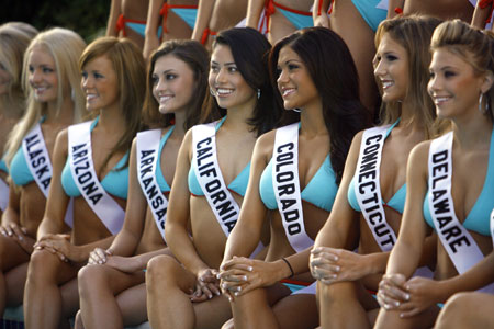 Miss Teen USA 2007 contestants pose for their official swimsuit photograph ...